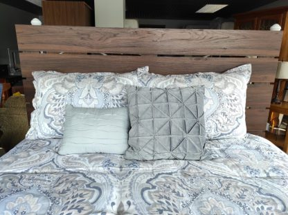 PALLET STYLE QUEEN HEAD AND FOOT BOARD 3