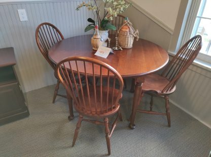 CHERRY TABLE WITH 4 CHAIRS 1