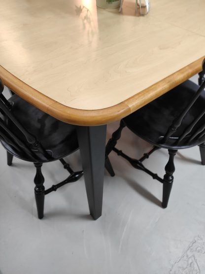 FORMICA TABLE 4