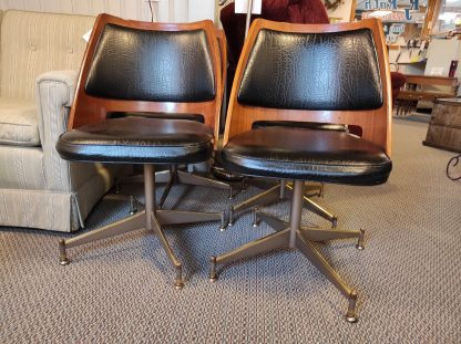 4 MIDCENTURY MODERN BLACK LEATHER CHAIRS 1