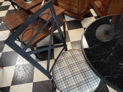 ROUND METAL TABLE 2