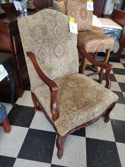 TRADITIONAL UPHOLSTERED OPEN ARM CHAIR 1
