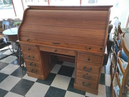 LARGE SCALE ROLL TOP DESK 1