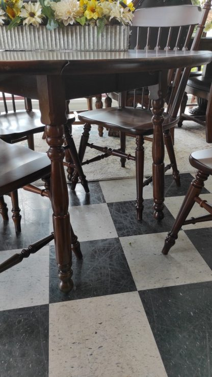 DROP LEAF FORMICA TOP TABLE W/ 4 CHAIRS 3