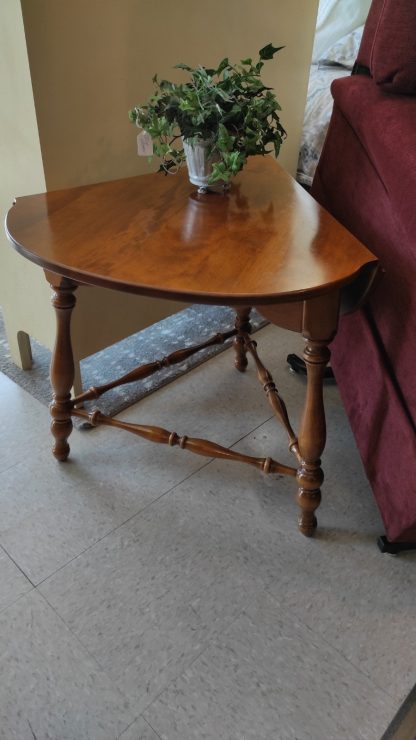 DROPLEAF MAPLE END TABLE BY ETHAN ALLEN 1