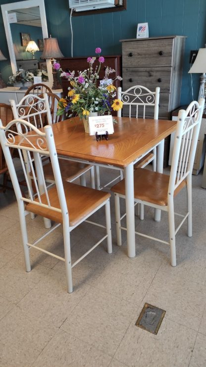 """36"""" SQUARE OAK TABLE W/ 4 METAL CHAIRS 1"""
