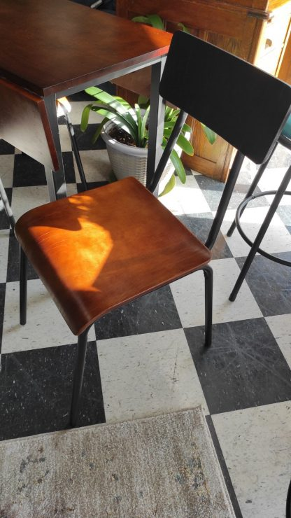 TWO TONE DROP LEAF TABLE 3