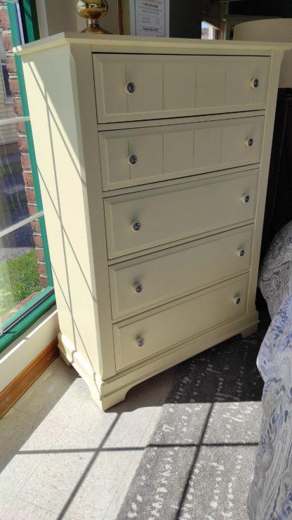 ANTIQUE WHITE QUEEN SIZE BEDROOM SET 3