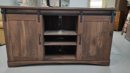NEW! RUSTIC OAK BARN DOOR TV STAND 1