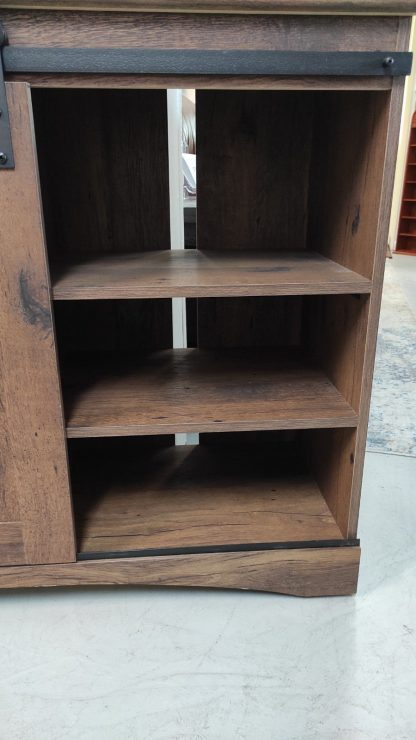 NEW! RUSTIC OAK BARN DOOR TV STAND 3
