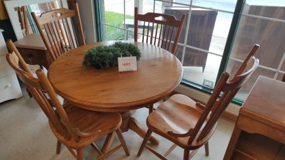 OAK PEDESTAL TABLE: 4 CHAIRS + 1 BOARD 1